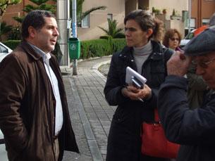 Rui Sá ouviu queixas dos moradores Foto: Irene Leite
