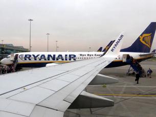 A partir de abril, a Ryanair assegura ligações aéreas entre Porto e Lisboa Foto: smemon/Flickr