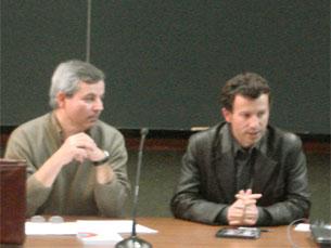 Sérgio C. Andrade (à esquerda na foto,) falou aos estudantes do mestrado de Ciências da Comunicação Foto: Joana Coimbra Martins
