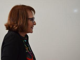 Estrela Serrano fala sobre as relações entre assessoria, política e jornalismo Foto: Tiago Leão