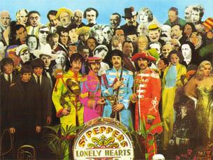 """Poe é retratado na capa de """"Sgt. Peppers Lonely Heart Club Band"""", dos Beatles (sétima da fila de cima) Foto: DR"""