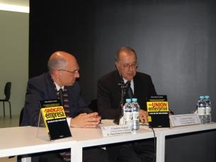 A apresentação do livro contou com a presença do autor e de Luís Braga da Cruz Foto: Isabel SIlva