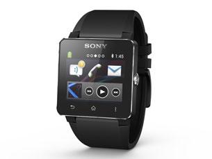 Com o SmartWatch 2 é possível atender chamadas tocando no pulso e tirar fotos com o telefone remotamente Foto: DR