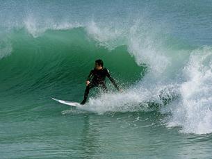 A 1.ª edição do Porto Surf Film Festival vai contar com 600 minutos de cinema em cima de ondas Foto: