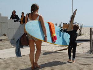 Não há idade limite para continuar a praticar surf Foto: Tânia Monteiro