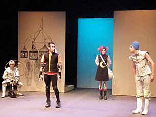 O debate decorreu no palco do Teatro Carlos Alberto Foto: Arquivo JPN