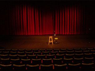 """PCP reuniu com a companhia do """"Teatro de Ferro"""" na véspera do Dia Mundial do Teatro Foto: DR"""