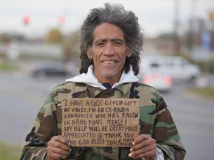 Um vídeo publicado na internet mudou a vida de Ted Williams Foto: The Columbus Dispatch