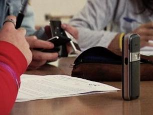 Uso dos telemóveis começa cada vez mais cedo Foto: Liliana Rocha Dias