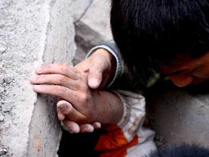 De acordo com as autoridades, o número de mortos já ultrapassou os 34.000 Foto: Qian Wang