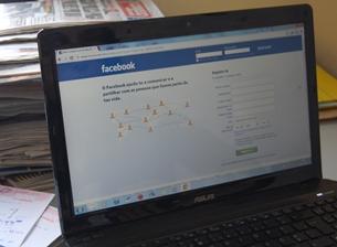 Facebook, Twitter, blogues e fóruns de discussão são o objeto de estudo desta análise Foto: Ana Catarina Medeiros