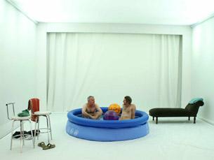 Holiday, de Adriano Cortese, é uma das propostas do TNSJ, desta feita para o estúdio Zero Foto: DR
