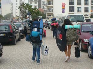 O baixo preço das viagens de avião aliciam jovens turistas a visitar várias cidades. Foto: Mariana Catarino