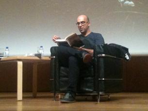 O autor afirma que escreverá o próximo livro para ter uma filha Foto: Sara Pinto Rodrigues