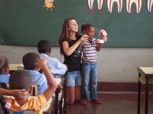 O programa promove o convívio e cooperação em diferentes comunidades locais. Foto: DR