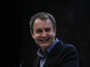Governo espanhol quer reduzir em média 5% dos salários públicos Foto:  Parti socialiste /  Flickr