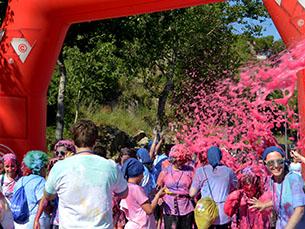 A Fun Run juntou cerca de três mil pessoas, no Porto Foto: Pedro Morais
