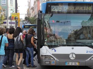 O acesso gratuito à Internet nos autocarros da STCP vai ser possível em mais de 400 veículos da frota Foto: Arquivo JPN
