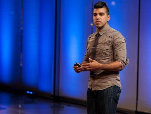 Eu sou o produto de alguém que fez o mesmo que eu, noutros tempos. Agora é a altura de retribuir, afirmou Bobak Foto: TED Conference/Flickr