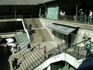 Os sinais de degradação no Mercado do Bolhão são visíveis Foto: Isabel Silva