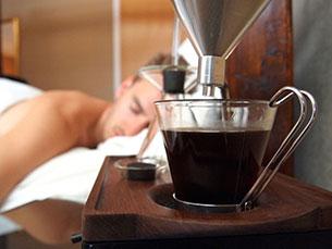 O Barisier é um despertador e simultaneamente uma cafeteira Foto: DR