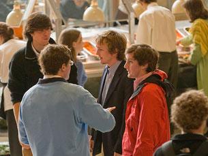 Estudantes a conversar