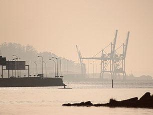 O país está mais competitivo, mas continua longe do 34.º lugar ocupado em 2009 Foto: fran eirin/Flickr