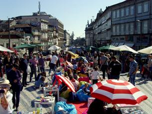 As típicas banquinhas do Porto Belo vão rumar, de 15 em 15 dias, ao piso 1 do Mercado do Bom Sucesso Foto: Arquivo JPN