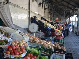 O atual Mercado do Bolhão começou por ser a céu aberto, em 1838 Foto: Diogo Azeredo; Fotogaleria: JPN/Associação de Comerciantes do Bolhão
