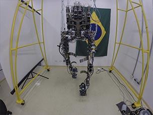 O exoesqueleto está em fase final de testes e deverá estar pronto dia 12 de junho Foto: DR/