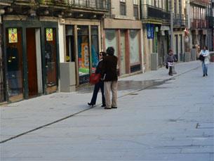 A reabilitação da Rua das Flores trouxenovo público a uma zona histórica da cidade Foto: Francisco Sebe/Arquivo JPN