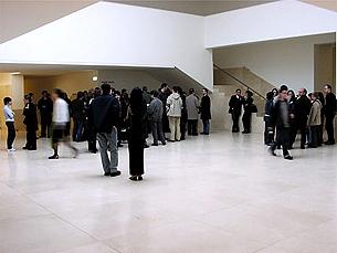 Com início marcado para as 17h30, a entrada na conferência é livre Foto: Arquivo JPN