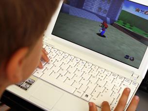 Uma gamejam é uma competição entre equipas que, num espaço muito curto de tempo, têm de produzir um videojogo do nada com base numa temática pré