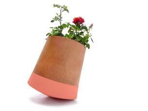 Os vasos foram construídos com inspiração no movimento feito pelos girassóis Foto: DR