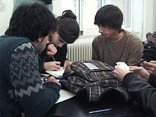Jovens que tenham abandonado o ensino superior podem retomar os seus ciclos de estudos com o apoio do Governo Foto: Arquivo JPN