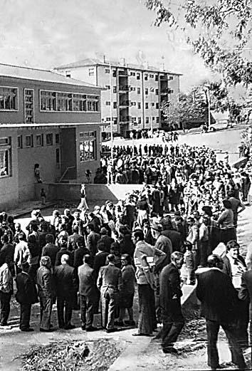 As primeiras eleições livres, pós-Estado Novo, levaram 6 milhões de pessoas às urnas