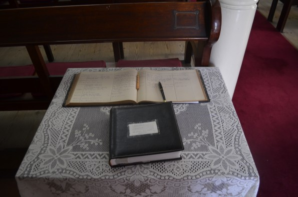 Livro de visitas na Igreja de Saint James