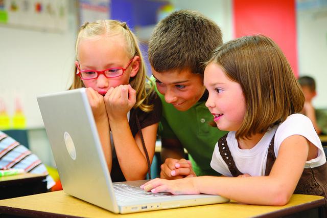 crianças_computador
