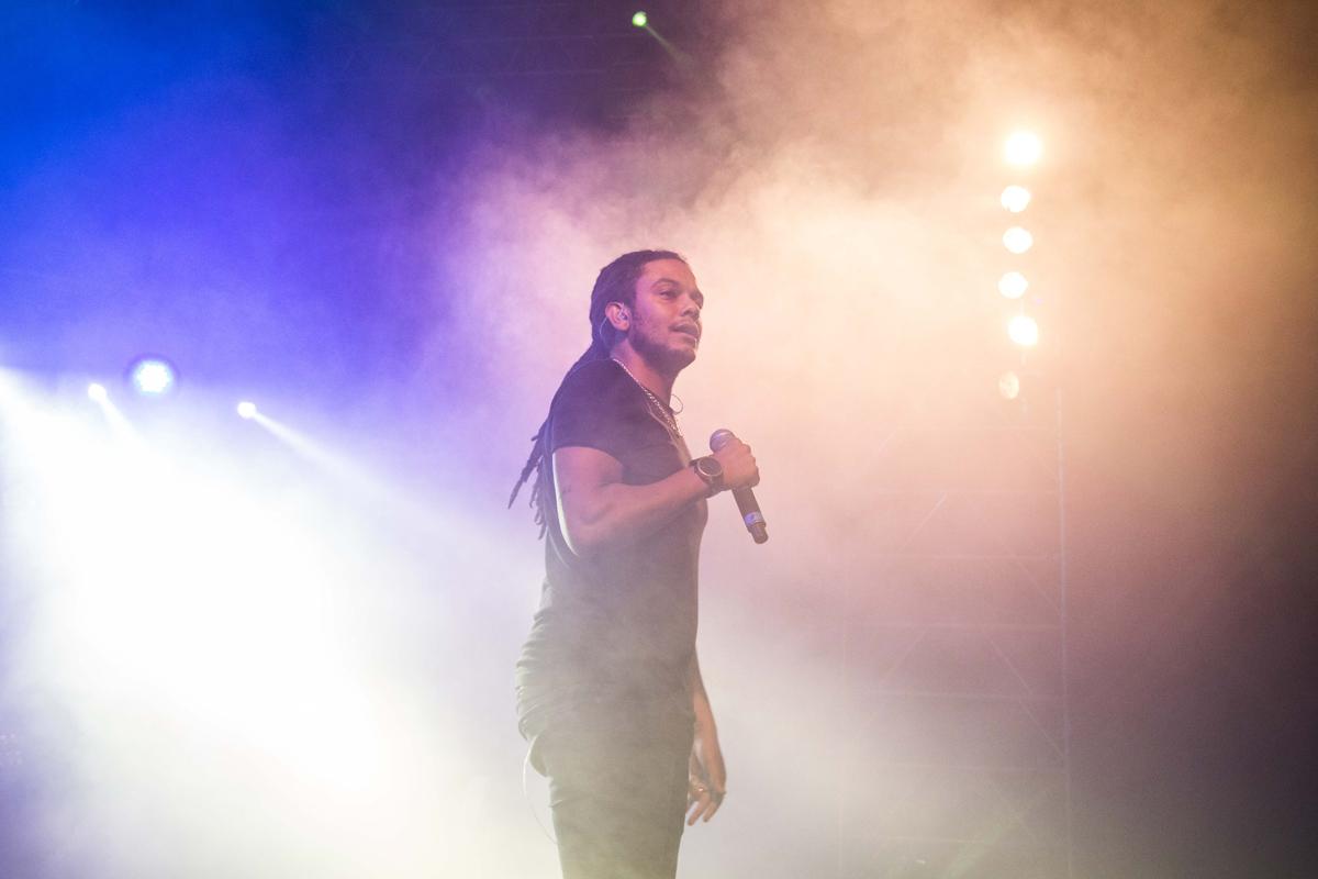 O rapper Jimmy P foi a presença mais marcante da segunda noite do Arraial d'Engenharia deste ano