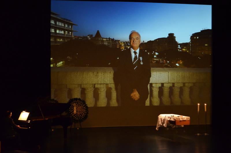 O Rivoli, teatro que o vereador devolveu à cidade, foi o local escolhido para iniciar a última viagem de Paulo Cunha e Silva