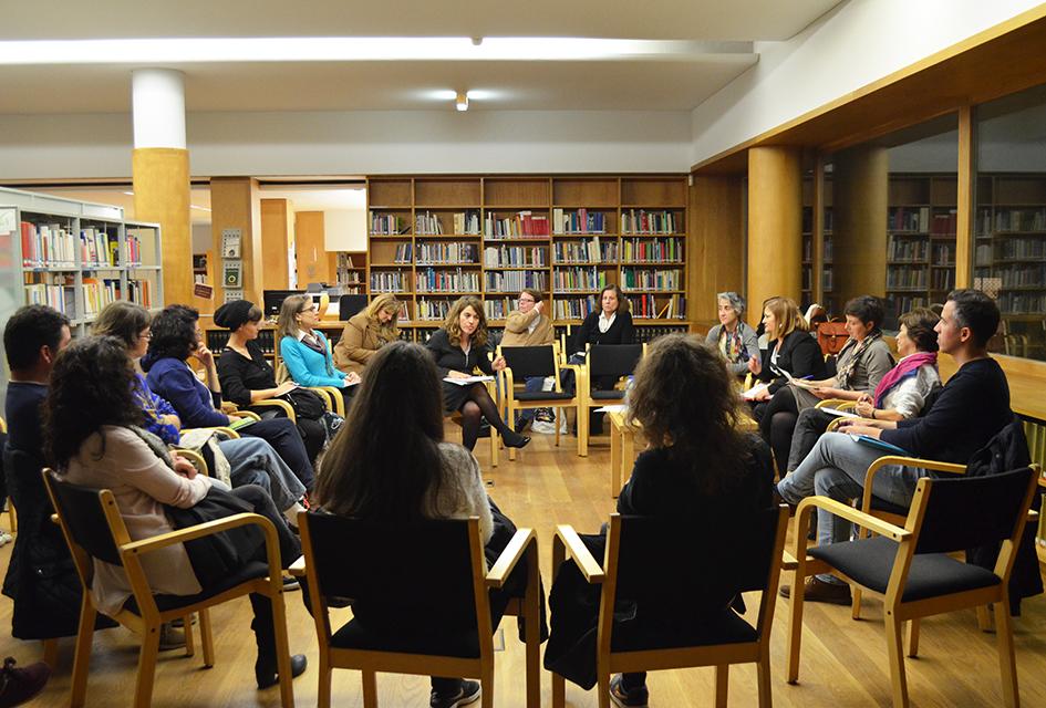 Na passada quinta-feira, dia 19 de novembro, Rosa Oliveira, Natália Rosmaninho, Aida Suarez e José Rosinhas abordaram a questão da igualdade de género na biblioteca Almeida Garrett
