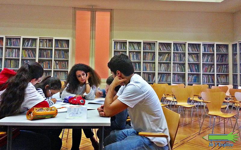 O projeto de voluntariado Já T'Explico começou. no dia 2 de novembro, a dar explicações a crianças carenciadas do Porto