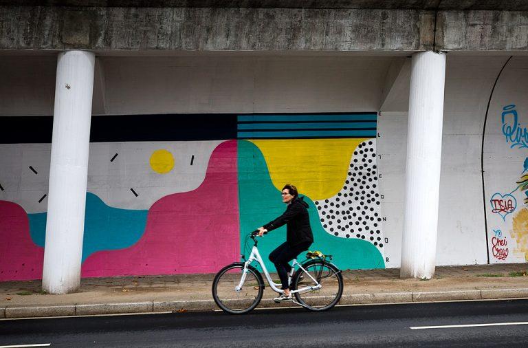 Ao longo dos 70 metros da Rua da Restauração podem ser vistos trabalhos de Alma, Third, Purple Charles, Elleonor, Miguel Paulo, Jaime Ferraz e Chei Krew