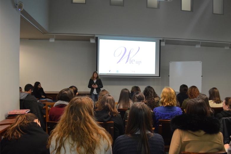 A sala encheu-se de mulheres para debater sobre estereótipos em Engenharia