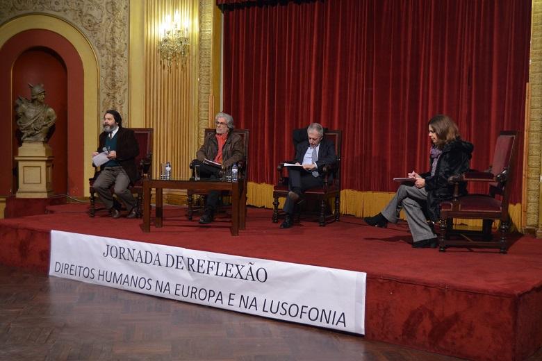 Manuel Cunha da Amnistia Internacional, Pires Laranjeira, professor Universidade Coimbra, António Tavares, provedor da Santa Casa da Misericórdia foram alguns dos palestrantes