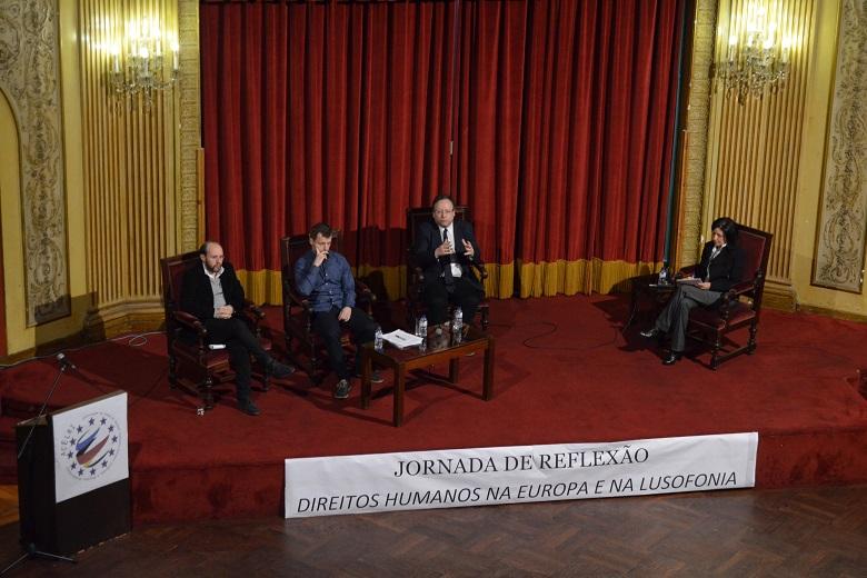 Rui Tavares historiador, Jedrzej Czerep da Open Dialog Foundation e Francisco Assis eurodeputado foram os convidados do segundo painel