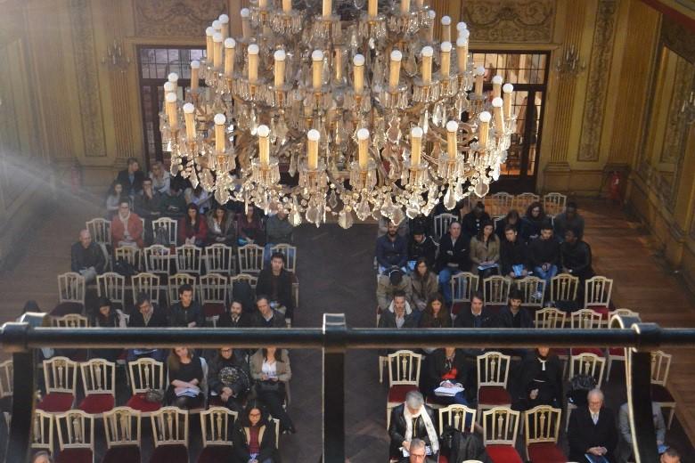 A sala recebeu pessoas de várias nacionalidades