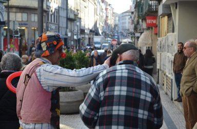 A autarquia está atenta à questão do excesso de artistas na rua de Santa Catarina