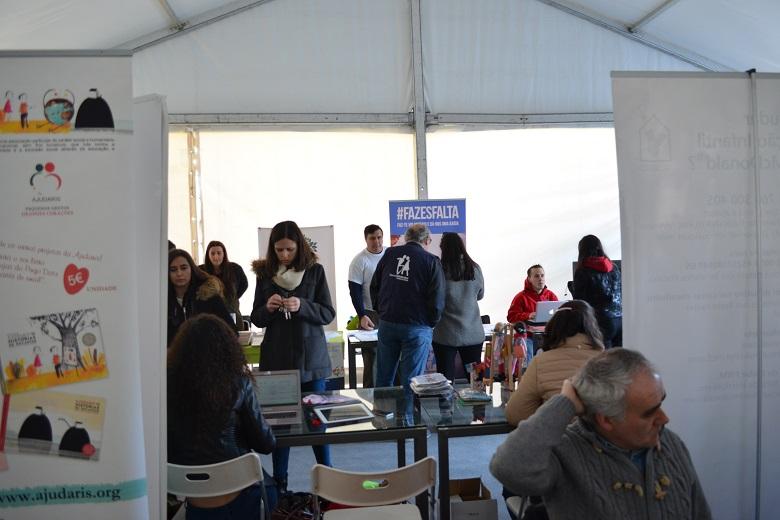 A mostra de voluntariado da Universidade do Porto contou com mais de 20 associações de solidariedade