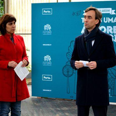 Marta Pinto, fundadora do projeto FUTURO, com o vereador da Inovação e do Ambiente, Filipe Araújo